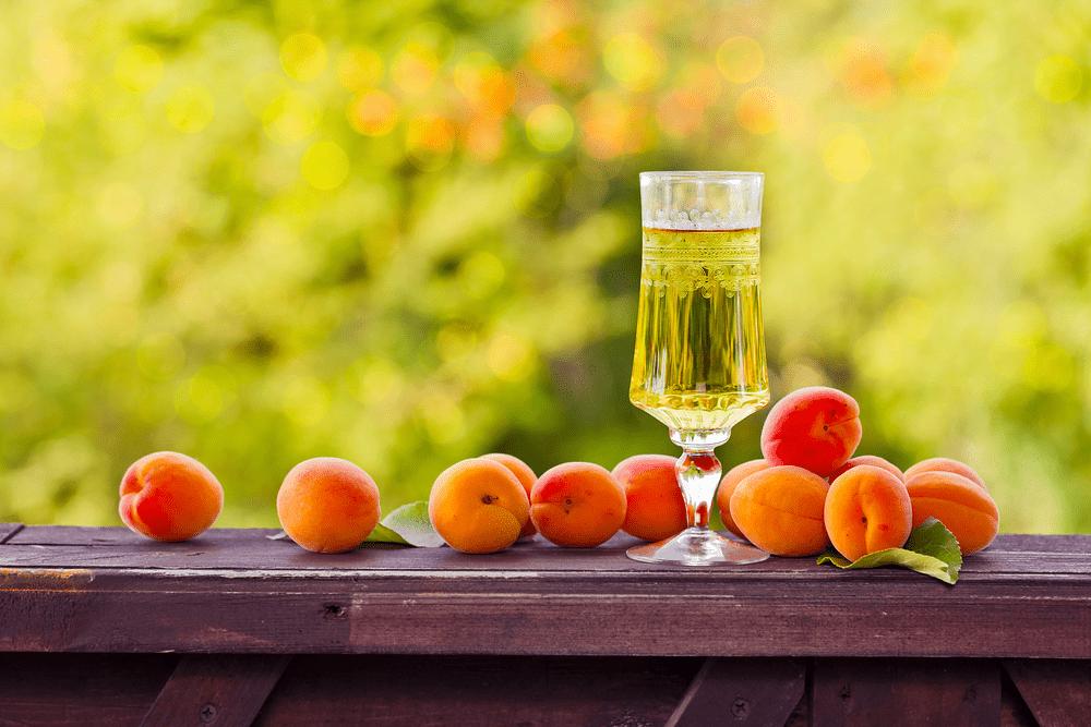 Абрикосовая настойка на водке