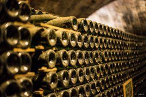 Особенности выдержки вина в бочках и бутылках