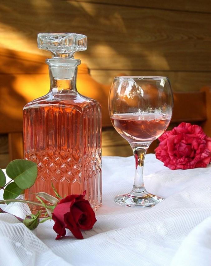 Рецепт вина из лепестков чайной розы