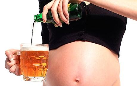Почему не рекомендуют пить безалкогольное пиво во время беременности