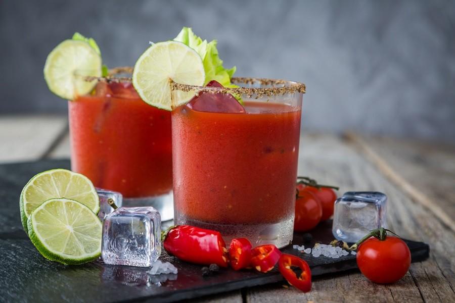 Коктейль Кровавая Мэри с лаймом (Lime Bloody Mary)