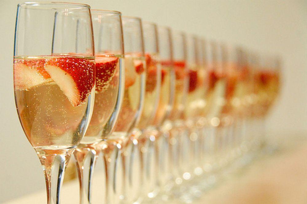 Рецепт клубничного шампанского