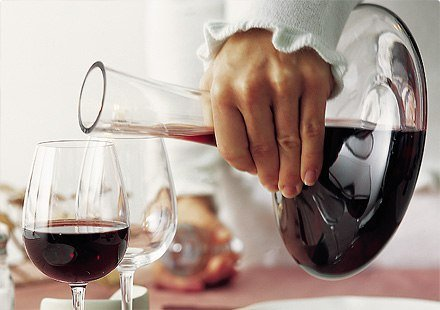 Правила подачи вина к столу согласно этикету