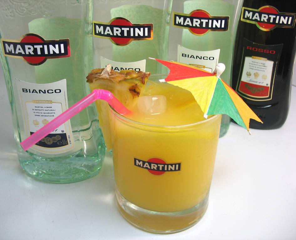 С каким соком лучше пить мартини