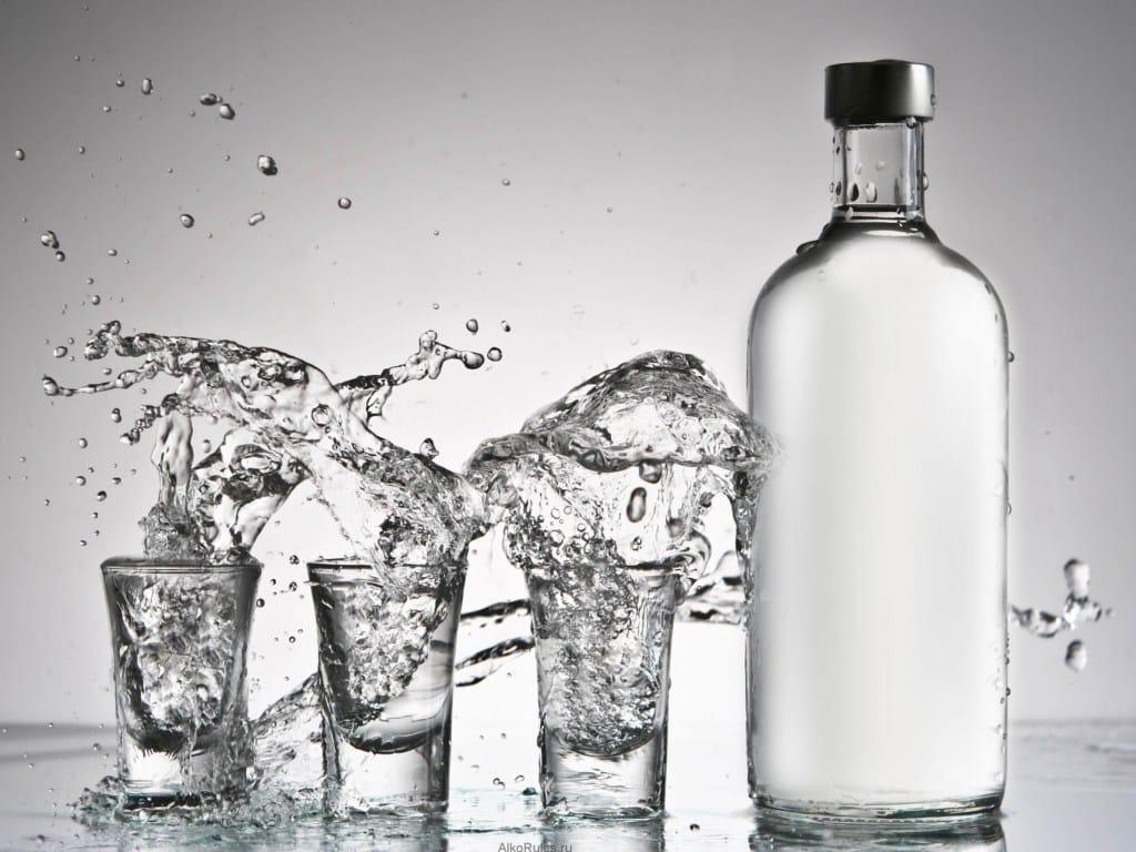 Сколько может выпить бутылок пива или водки человек