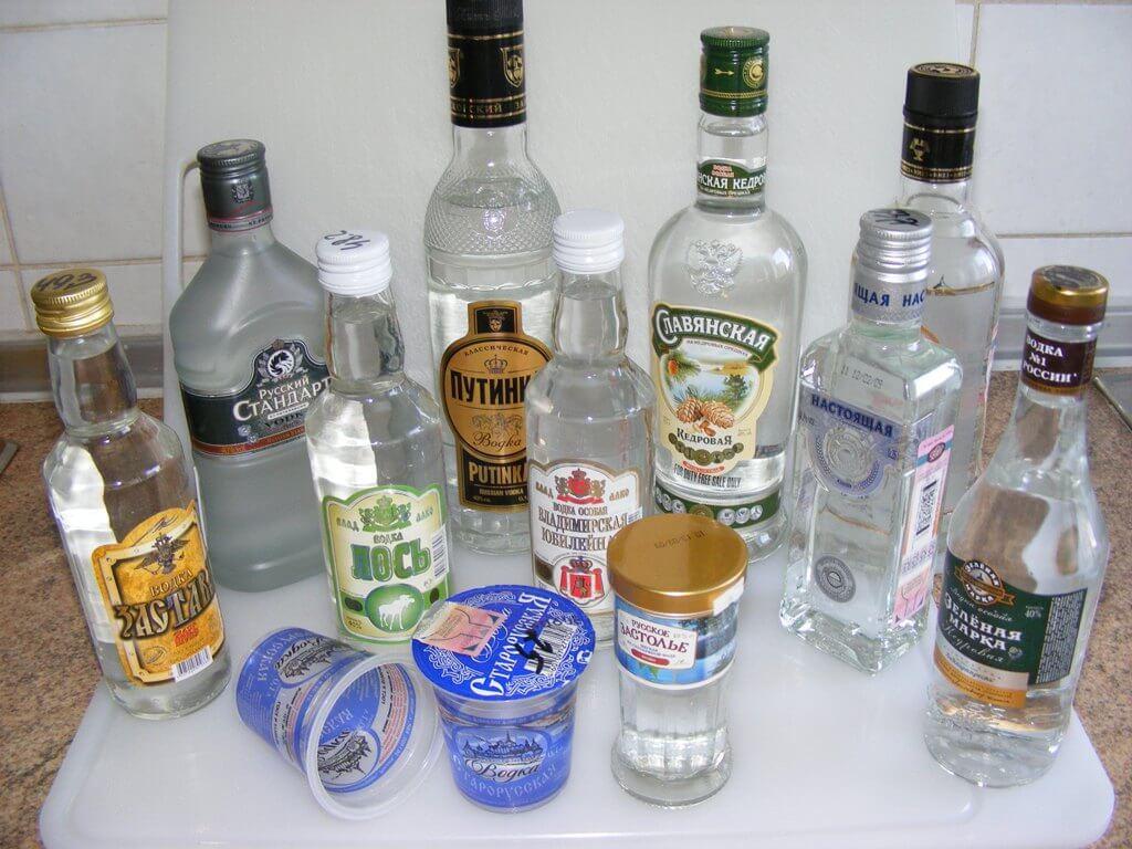 Как проверить качество водки народными способами в домашних условиях