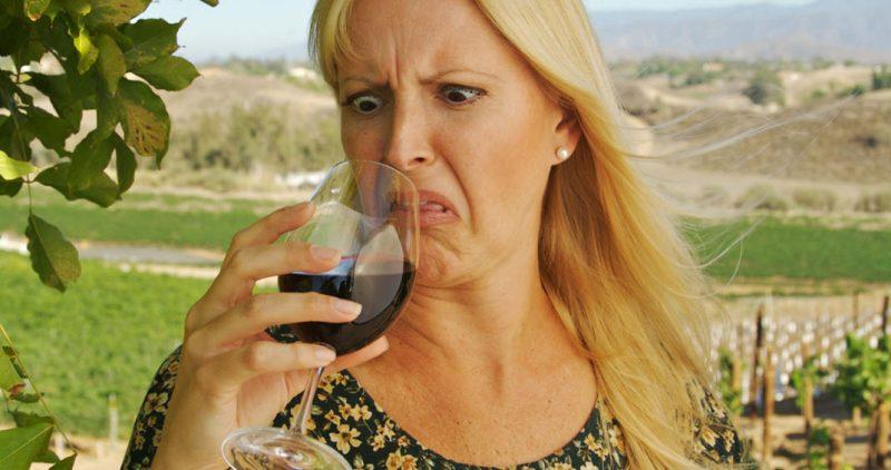 Как отличить плохое вино