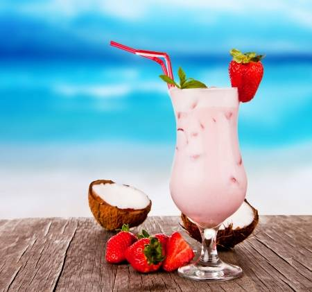 Коктейль Розовая пантера с кокосом или Пантера колада