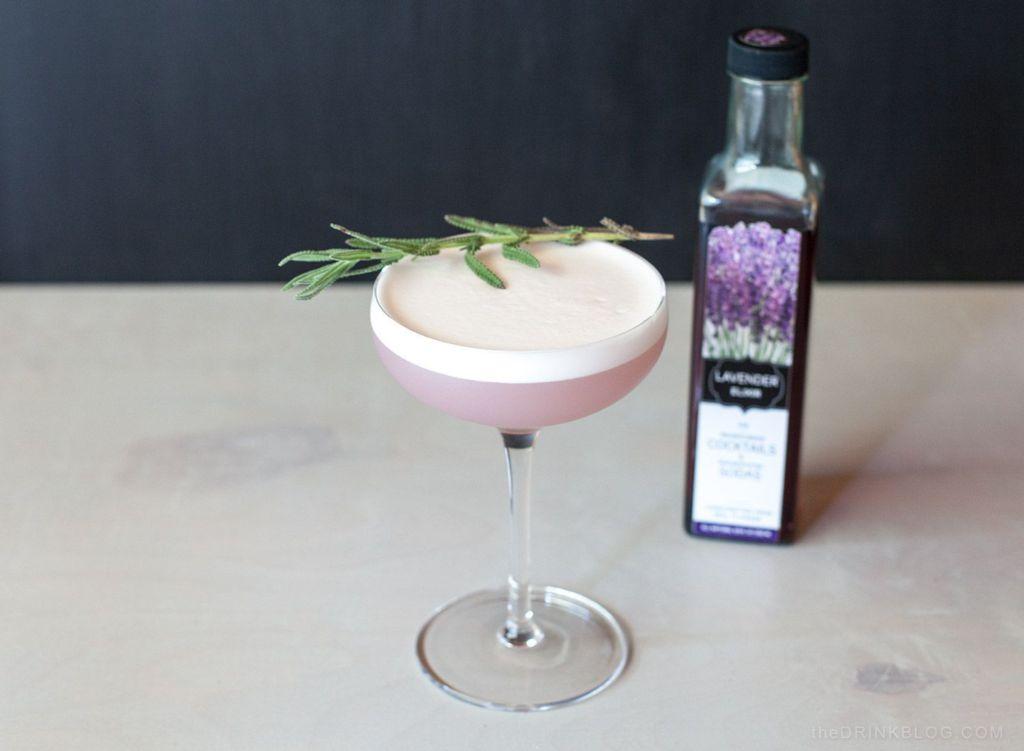 Коктейль Лавандовый Bee's Knees (Lavender bees knees Cocktail)