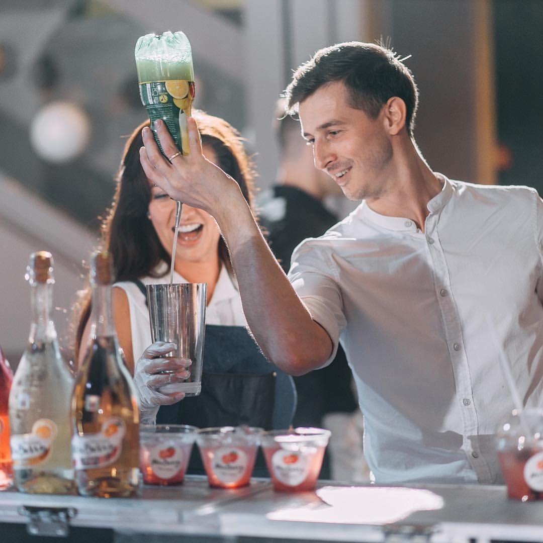 Как бармен